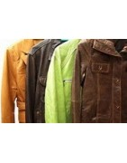 Vêtements spéciaux : cuir, peau, barbour ou mélangés avec du tissu
